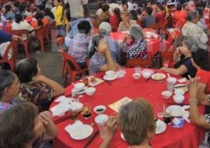 1378466991-celebration-dinner-marks-end-of-hungry-ghost-festival-in-kuala-lumpur_2598173